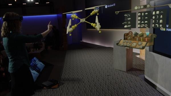 Walk around 3D models: Microsoft HoloLens | 3D printing in
