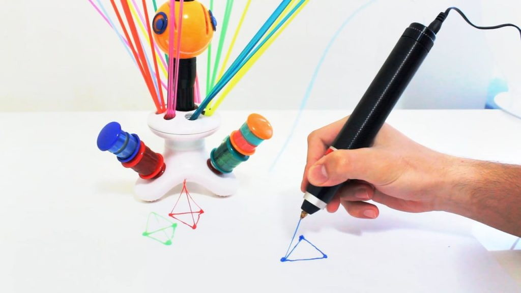 3д ручка которая рисует плдастиком из бутылок